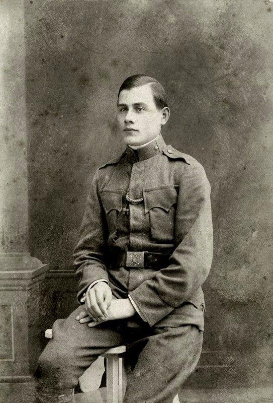 Tamási Áron a tiszti iskola előtti időszakban, 1917