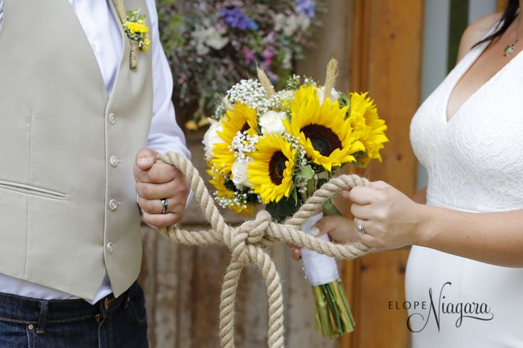 Tying the knot with casual style at The Little Log Wedding Chapel in Niagara