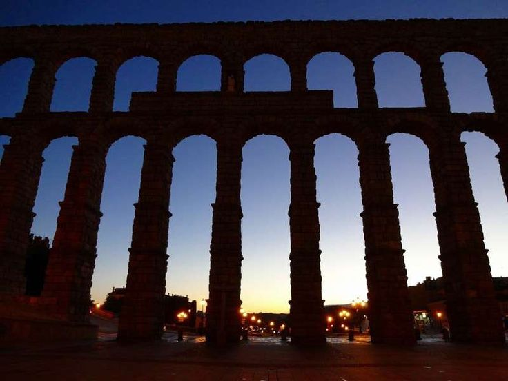 Aqueduct (Castile and Leon, Spain) | Spain traveling alone (RHO-chan's)