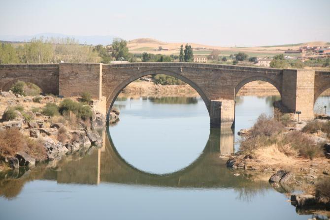 El Puente sobre el Río Tajo en la localidad toledana de Puente del Arzobispo.