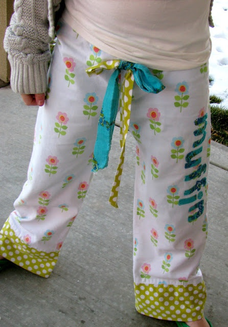 I really need to learn how to sew...The Life of a Cheap Chickadee: The Personalized (nickname) Mismatching PJ Pants Tutorial {let's be specific}