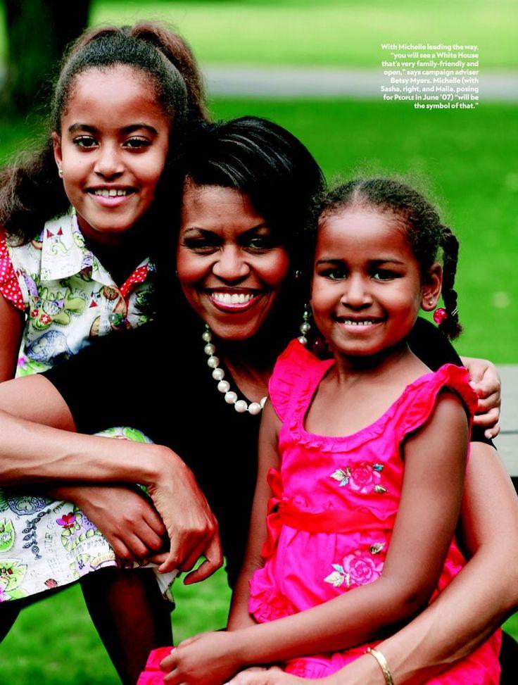 Malia Obama , First Lady Michelle Obama and Sasha Obama
