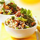 Een heerlijk recept: Rijstsalade met kip en walnoten