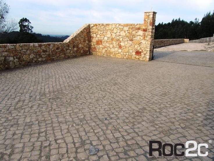 Stone wall and floor sidewalk, Benedita, Portugal
