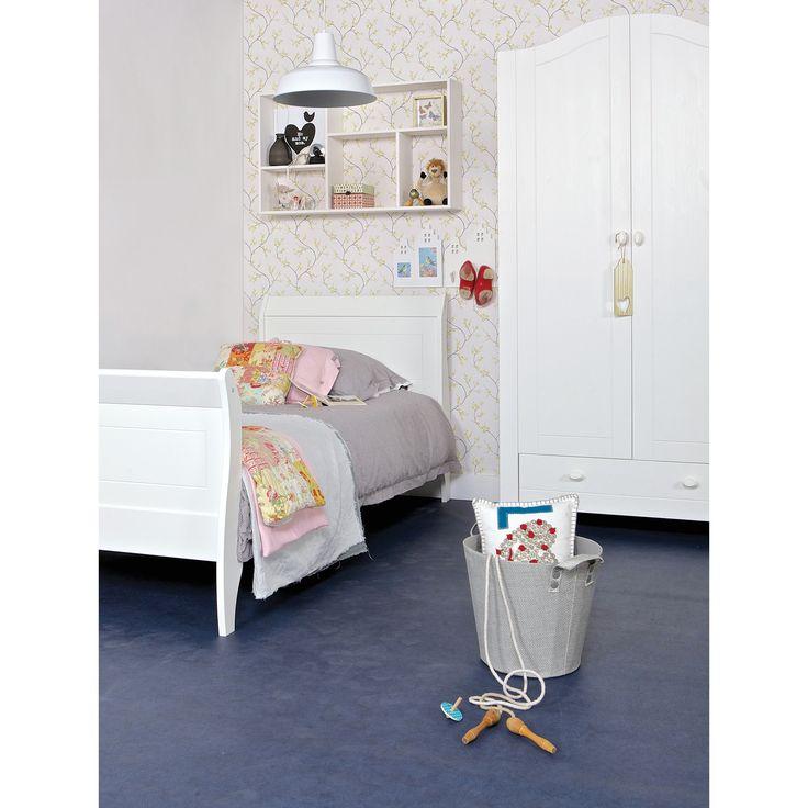 WOOOD bed Joy 90x200 cm grenen wit gelakt excl. lattenbodem en matras wit. Wel andere knoppen op de deuren.