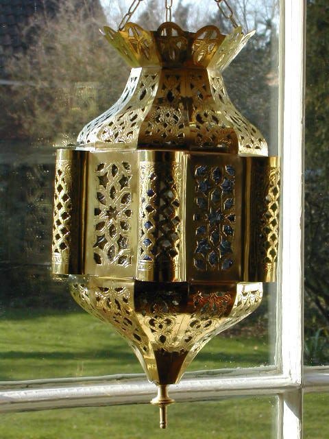 Small brass Moroccan lantern with multi-coloured glass. http://www.maroque.co.uk/showitem.aspx?id=ENT00830&s=20-10-085