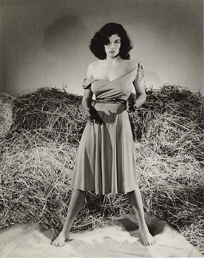 "Jane Russell en ""El Forajido"" (The Outlaw), 1943"