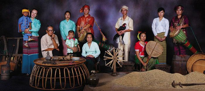 The Dai ethnic group with a population of 1,158,989 lives mainly in the Xishuangbaina Dai Autonomous region in Yunnan Province, while the ot...