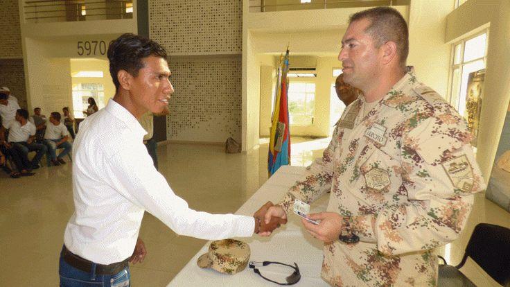 Víctimas del conflicto armado recibieron libreta militar http://www.hoyesnoticiaenlaguajira.com/2017/09/victimas-del-conflicto-armado.html