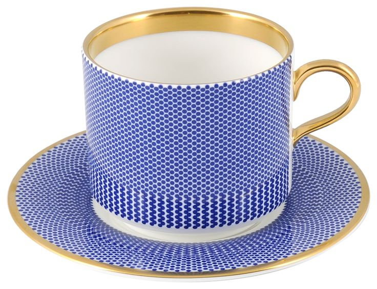 Stunning Latte Cup & Saucer taken from the 'Benday Cobalt range, hand finished with 22kt Gold gilding. Hand made in Stoke-on-Trent, England. A collection that is inspired by Benjamin Day: 'our homage to the dot'. Handwash Only, Fine Bone China. Vibrant and beautiful Latte Cup can be used for whatever takes your fancy, tea or coffee. Find out more here: https://thenewenglish.co.uk/collections/benday-cobalt #TheNewEnglish #Benday #Cobalt