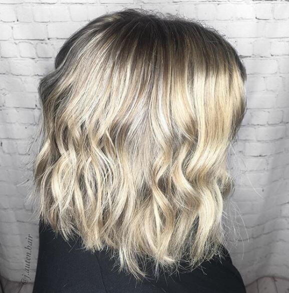 32 beliebtesten kurzen gewellten Frisuren für 2019-2020 - Seite 23 von 32 - Bleifrisuren