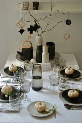 39 best herbstdeko zierk rbis images on pinterest decorations homes and pumpkins. Black Bedroom Furniture Sets. Home Design Ideas