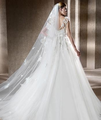 long  Mantilla .. Is the best choice for any bride !