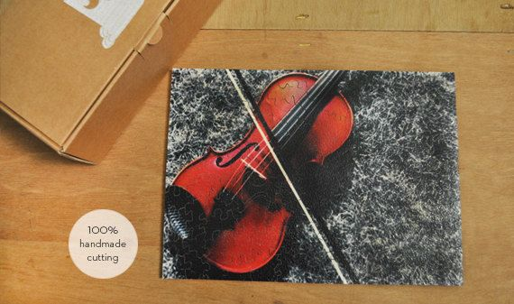 Delicious sound to dream and relax through the serenity which gives the tune a violin.. Most great composers wrote music for solo violin, including teachers Baroque Johann Sebastian Bach and Georg Friedrich Handel and important composers of the classical period such as Wolfgang Amadeus Mozart and Ludwig van Beethoven. Red violin - hand cut wooden puzzle