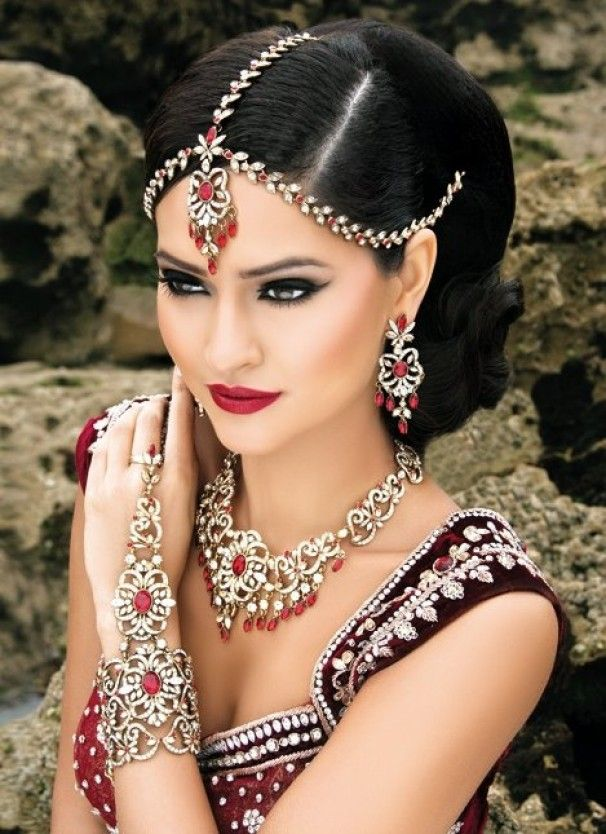 In love with this Indian Bridal Makeup
