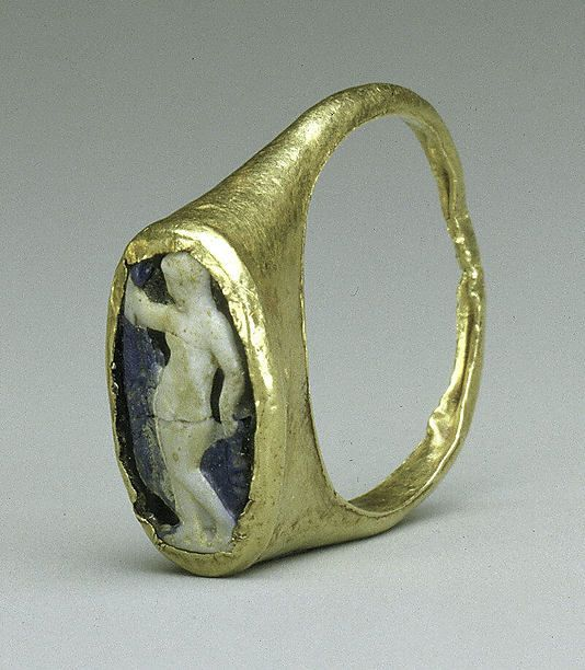 Gold and cameo glass ring. Early or Mid-Imperial, 1st–2nd century A.D. Roman, Cypriot Medium. Gold & Gems