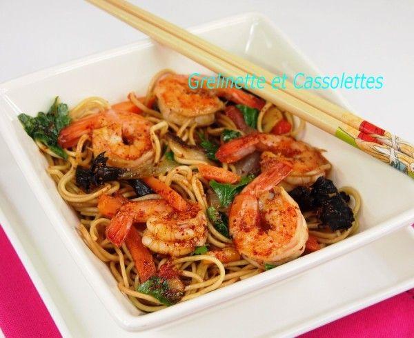 Nouilles Chinoises sautées aux Crevettes et Petits Légumes