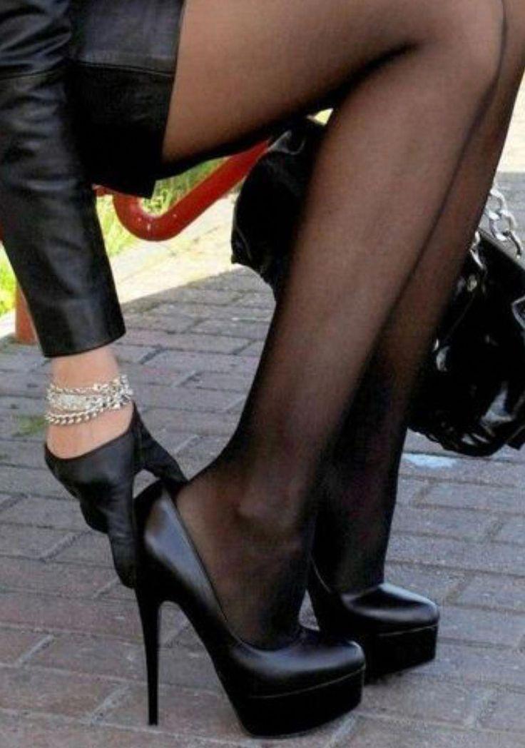 худенькие ножки в обуви целовать фото видео - 12