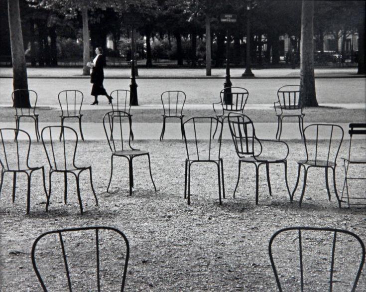 Champs élysées paris 1927 by andré kertész
