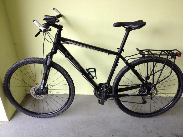 Rower szosowo crossowy CUBE CURVE PRO z wyposażeni