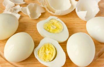 Как правильно варить куриные яйца, чтобы они легко чистились - Круг знаний