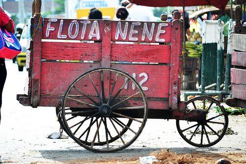 """Flota """"El Nene"""" - Carretilla tipica de la plaza de mercado de Cartagena de indias, en la que se venden principalmente platano, frutas y verduras."""