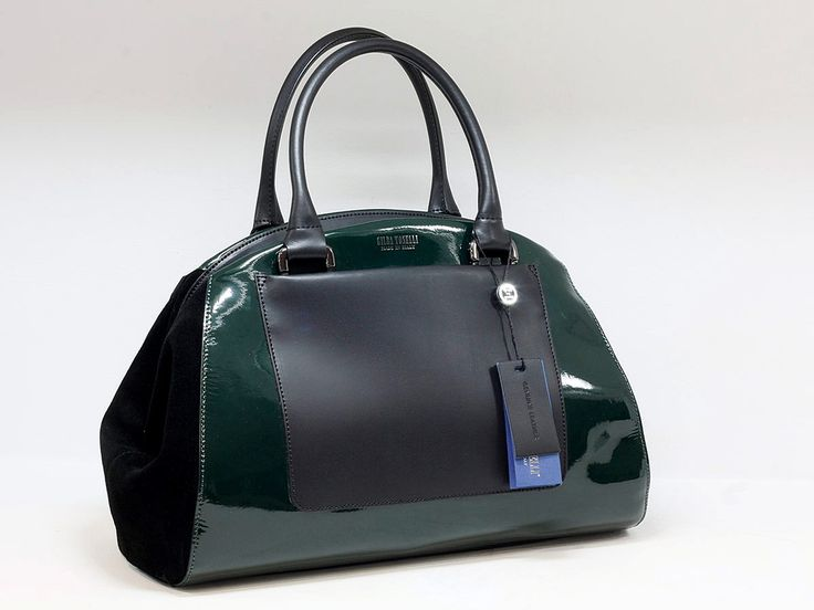 "Suveran bags & more - Administration - Product <small><small>[ Edit ]</small></small> <span style=""color: #666666; font-size: large;""><a href=""http://www.posetepiele.ro/index.php?option=com_virtuemart&view=productdetails&virtuemart_product_id=4819"" target=""_blank"" >Geanta femei GT02 (Geanta femei GT02)<span class=""vm2-modallink""></span></a></span>"
