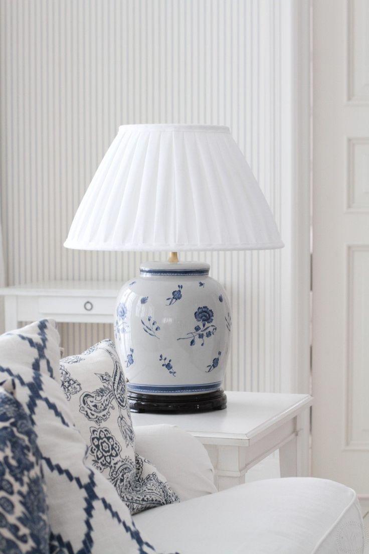 Lampfot i porslin K3 - Blå Nejlika