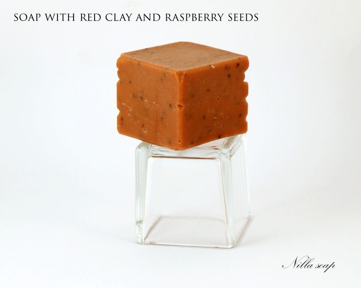 This is an example of soap with peeling effect. Soap made with red clay, raspberry seeds and rose fragnance oil.
