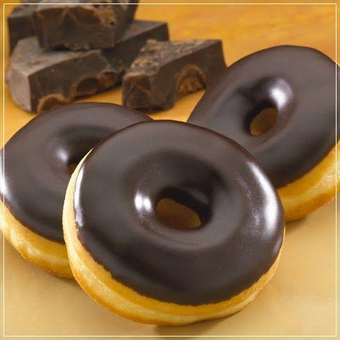 Ingredientes:   Para las donas:   §  1 taza de harina   §  2 cucharadas de cacao en polvo sin azúcar   §  1 cucharadita de p...