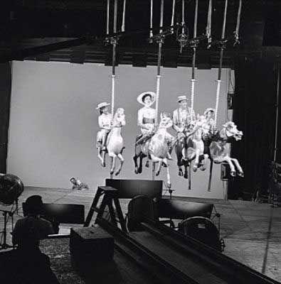 Mary Poppins: Más de 30 curiosidades y fantásticas fotos de su rodaje | ENTRE EL CAOS Y EL ORDEN MAGAZINE