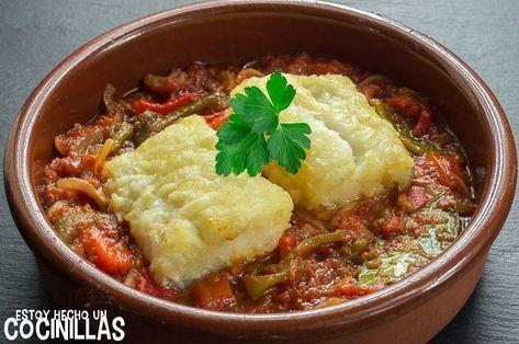 Cómo hacer bacalao a la riojana. Receta fácil paso a paso con fotos. Aprende a realizar este plato de bacalao con tomate y pimientos. ¡Está buenísimo!