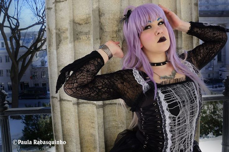 The Gothic Girl Dilemma! Model: Raven Salander Photography by: Paula Rabasquinho #Gothic #Model #Photography