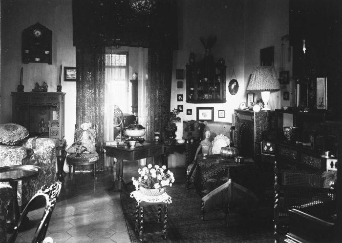 De binnengalerij van het huis van de familie M.C. Westerman op Kebon Sirih 20