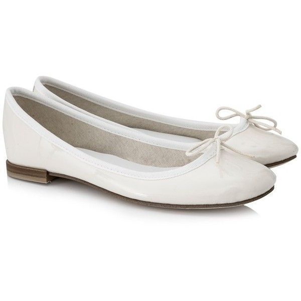Repetto Cendrillon Ballerina ($260) ❤ liked on Polyvore featuring shoes, flats, white, white ballet flats, repetto, ballet shoes, white flats and pattern flats
