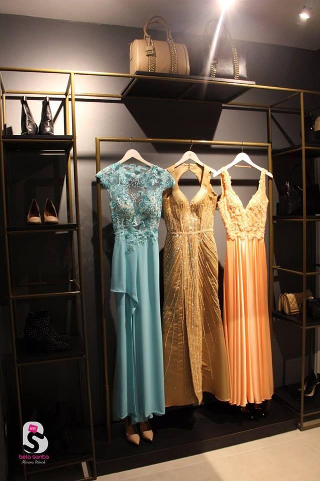 42a479fd1 Expositor de roupas projeto com tubos metálicos pintados de dourado   expositor  loja  arara