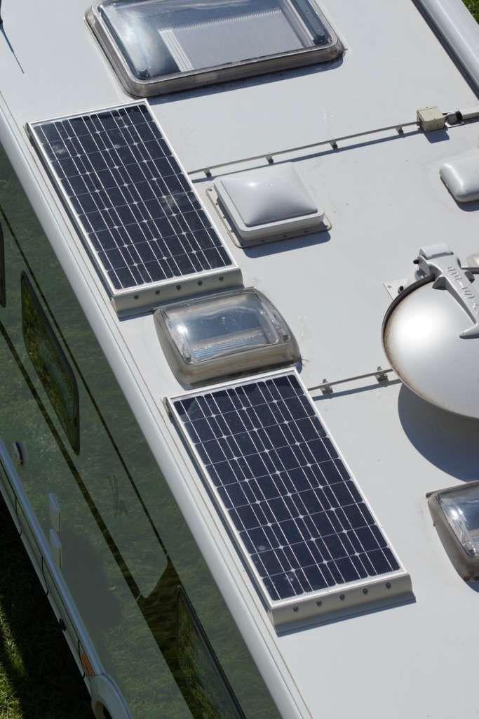 solaranlagen f r wohnmobile und caravans bus ausbau. Black Bedroom Furniture Sets. Home Design Ideas
