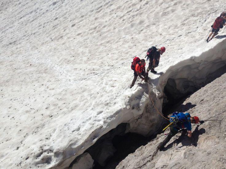 Zweitagestour auf den höchsten Berg Deutschlands: die Zugspitze. Über das Höllental und den Höllenferner Gletscher mit der Mammut Alpine School.