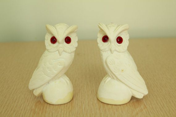 60s/70s  Mid Century  Off White  Ivory  Carved  by starlingdarlin, $12.00