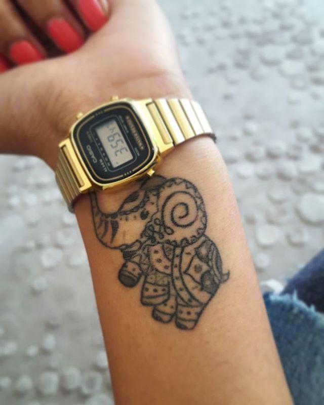 Good Luck Elephant Tattoo: 25+ Best Ideas About Indian Elephant Tattoos On Pinterest