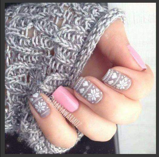 scandinavian print nail
