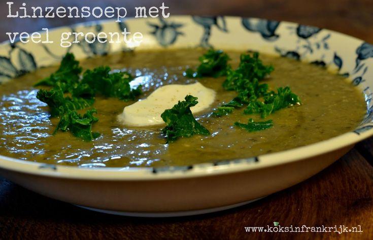 Gezonde linzensoep met veel groente, vegetarisch en glutenvrij. Geschikt voor de slowcooker.