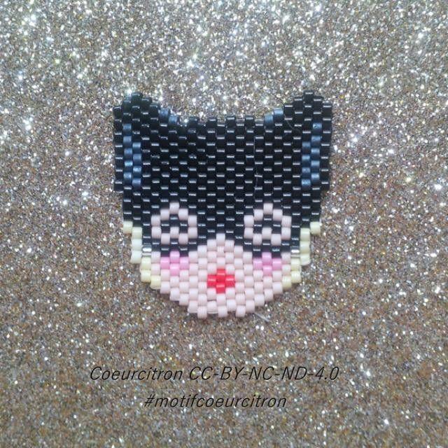 Petit amusement du matin, une Catwoman pour que le Batman de @lulu_and_the_little_pea ne se sente pas trop seul... #catwoman #motifcoeurcitron #diy #handmade #jenfiledesperlesetjassume #perlesaddict #perlesaddictanonymes #jesuisunesquaw