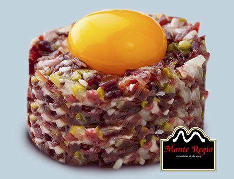 ¿Una forma diferente de disfrutar del mejor producto ibérico? Tartar de jamón #MonteRegio y yema de huevo ¡Ñam,Ñam!