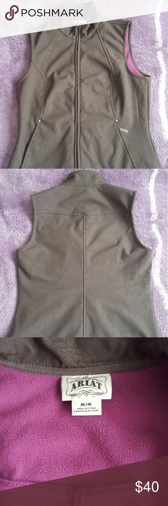 Ariat Floral Vest Size medium, worn once, like new condition Ariat Jackets & Coats Vests