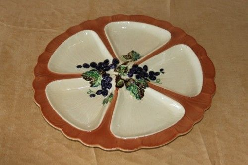English Porcelain - A STUNNING AND RARE VINTAGE CARLTON WARE (AUSTRALIAN DESIGN) GRAPE PATTERN HORS D'OEUVERS PLATTER for sale in Cape Town (ID:257589515)