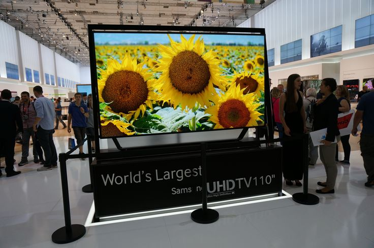 "UHD 110"" TV at Samsung booth www.delfin.co.kr"