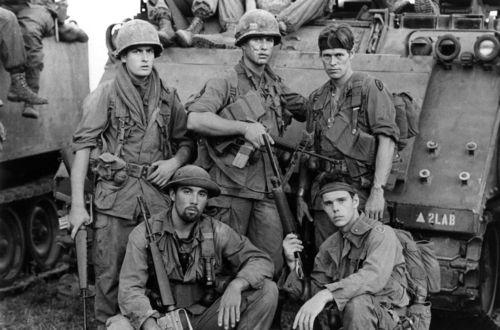 """oliver stone the war film platoon Platoon (film) kriegsfilm von  war """"hemdale"""", eine britisch dominierte """"independent company"""",  """"regisseur und autor oliver stone inszenierte."""