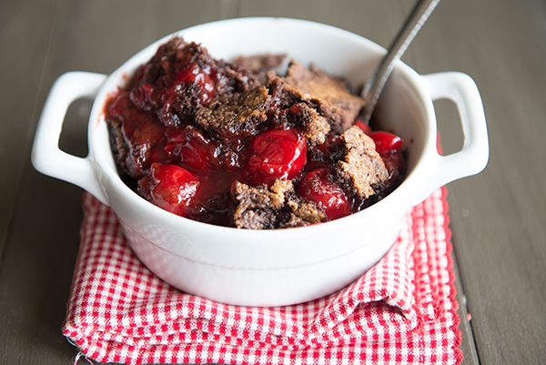Simply Simple {Recipe: 3 Ingredient Cherry Chocolate Dump Cake} STRAWBERRY ALSO.....???????