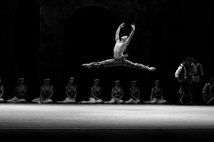 https://flic.kr/p/GQVdzY | Angel Corella ballet dancer at the Teatro Positivo, Curitiba - By F. Riesemberg | Angel Corella ballet dancer at the Teatro Positivo, Curitiba - By F. Risemberg